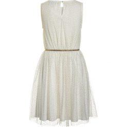 Sukienki dziewczęce: The New ANNA GABY DRESS Sukienka koktajlowa cloud dancer/gold