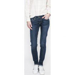 Pepe Jeans - Jeansy. Niebieskie jeansy damskie rurki Pepe Jeans. W wyprzedaży za 279,90 zł.