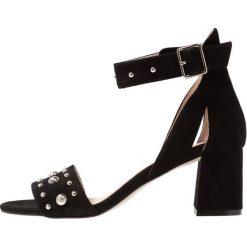 Sandały damskie: Shoe The Bear MAY STUDS Sandały black