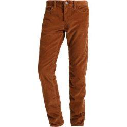 Chinosy męskie: s.Oliver RED LABEL Spodnie materiałowe amber