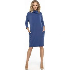 Codzienna Niebieska Sukienka z Szerokim Golfem. Niebieskie sukienki balowe marki Molly.pl, na co dzień, l, z dzianiny, z golfem, oversize. Za 139,90 zł.