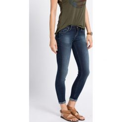 Lee - Jeansy. Niebieskie jeansy damskie Lee, z bawełny, z obniżonym stanem. W wyprzedaży za 279,90 zł.