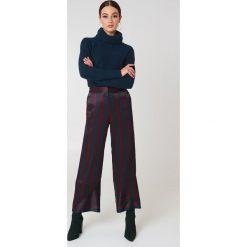 Swetry oversize damskie: Trendyol Sweter z wywijanym golfem - Navy