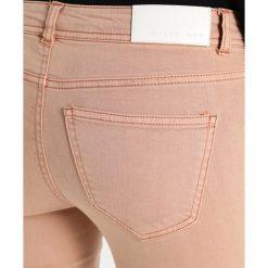 Noisy May NMEVE Jeans Skinny Fit dusty coral. Pomarańczowe rurki damskie Noisy May. W wyprzedaży za 206,10 zł.