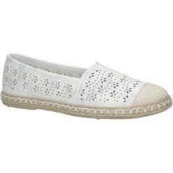 Białe espadryle slip on ażurowe Casu DD1831-2. Białe espadryle damskie marki Casu, w ażurowe wzory. Za 49,99 zł.