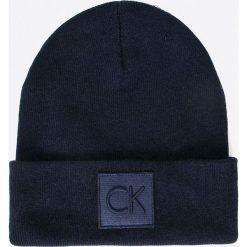 Calvin Klein Jeans - Czapka. Czarne czapki zimowe męskie marki Calvin Klein Jeans, na zimę, z dzianiny. W wyprzedaży za 129,90 zł.