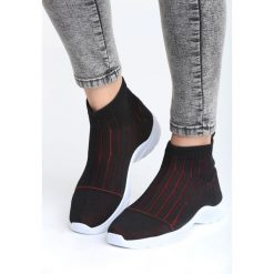 Czarno-Czerwone Buty Sportowe Pay Attention. Czerwone buty sportowe damskie marki KALENJI, z gumy. Za 79,99 zł.