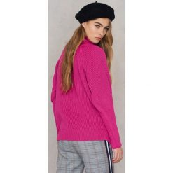 Trendyol Sweter z golfem i bufiastym rękawem - Pink. Różowe golfy damskie marki Trendyol, z dzianiny. W wyprzedaży za 55,17 zł.