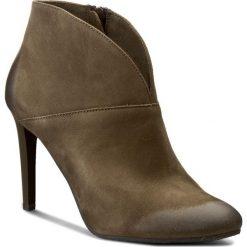 Botki CARINII - B3615  I43-000-PSK-A92. Zielone buty zimowe damskie marki Carinii, ze skóry, na obcasie. W wyprzedaży za 249,00 zł.