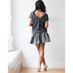 Koszulka Andy Grey One size. Szare bluzki damskie marki Laurella, z bawełny, dekolt w kształcie v. Za 109,00 zł.