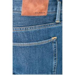 Tommy Hilfiger - Jeansy Bleecker. Niebieskie jeansy męskie relaxed fit TOMMY HILFIGER, z bawełny. W wyprzedaży za 399,90 zł.