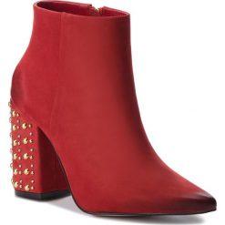 Botki CARINII - B4450 L87-000-000-C28. Czerwone buty zimowe damskie Carinii, z materiału. W wyprzedaży za 269,00 zł.