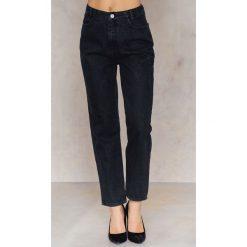 Spodnie z wysokim stanem: NA-KD Jeansy 7/8 z wysokim stanem - Black