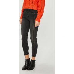 Pepe Jeans - Jeansy Regent. Czarne boyfriendy damskie Pepe Jeans, z aplikacjami, z bawełny, z podwyższonym stanem. Za 439,90 zł.