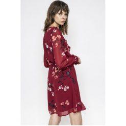 Vero Moda - Sukienka Hallie. Szare długie sukienki Vero Moda, na co dzień, l, z poliesteru, casualowe, z długim rękawem. W wyprzedaży za 119,90 zł.