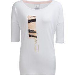 T-shirt damski TSD609 - biały - Outhorn. Białe t-shirty damskie Outhorn, z nadrukiem, z materiału. W wyprzedaży za 29,99 zł.
