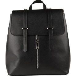 Plecaki damskie: Skórzany plecak w kolorze czarnym – 31 x 27 x 12 cm