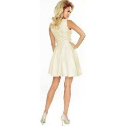 Daniella Sukienka rozkloszowana z dekoltem w kształcie serca - łezka ECRU. Szare sukienki numoco, s, z materiału, rozkloszowane. Za 169,99 zł.