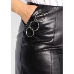 Minispódniczki: Missguided Plus FRONT SPLITS STUD DETAIL CIRCLE HARDWARE Spódnica mini black