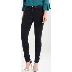 Wrangler BODY BESPOKE Jeans Skinny Fit black noise. Szare rurki damskie Wrangler. Za 329,00 zł.