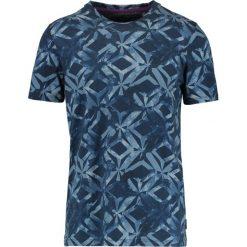 Ted Baker WOOF ALL OVER GEO PRINT Tshirt z nadrukiem dark blue. Niebieskie t-shirty męskie z nadrukiem Ted Baker, m, z bawełny. Za 269,00 zł.
