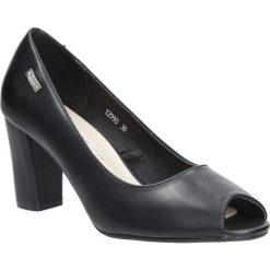 Czarne czółenka na słupku peep toe Sergio Leone 12990. Czarne buty ślubne damskie marki Sergio Leone. Za 88,99 zł.