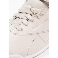 Reebok Classic MUTED Tenisówki i Trampki wysokie sandstone/white. Białe trampki dziewczęce marki Born2be, z materiału, na sznurówki. W wyprzedaży za 146,30 zł.