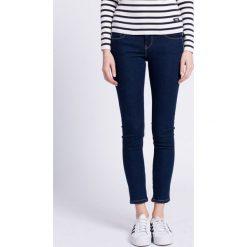 Pepe Jeans - Jeansy Cher. Niebieskie jeansy damskie rurki Pepe Jeans, z obniżonym stanem. W wyprzedaży za 269,90 zł.