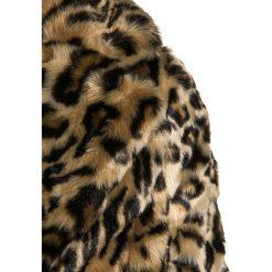New Look 915 Generation Krótki płaszcz brown. Brązowe kurtki chłopięce przeciwdeszczowe New Look 915 Generation, z materiału, krótkie. W wyprzedaży za 174,30 zł.