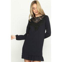 Granatowa Sukienka Apparent. Niebieskie sukienki mini marki Born2be, s. Za 59,99 zł.