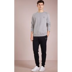 BOSS CASUAL WYAN Bluza light pastel grey. Szare bluzy męskie BOSS Casual, m, z bawełny. Za 499,00 zł.