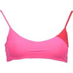 """Biustonosz bikini """"Savannah Sunset"""" w kolorze różowo-czerwonym. Czerwone biustonosze Heidi Klum Intimates. W wyprzedaży za 172,95 zł."""