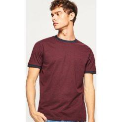 T-shirt z kontrastową lamówką - Bordowy. Czerwone t-shirty męskie marki Nike, s, z poliesteru. Za 29,99 zł.