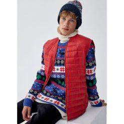 Niebieski świąteczny sweter ze wzorami. Niebieskie swetry klasyczne męskie marki Cropp, l. Za 109,00 zł.