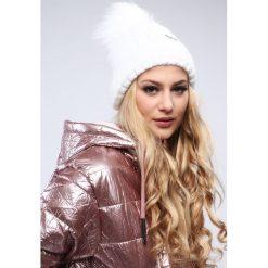 Biała czapka damska zimowa C10. Białe czapki damskie Fasardi, na zimę. Za 39,00 zł.