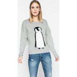 Tally Weijl - Sweter SPUACNANI. Czerwone swetry klasyczne damskie marki TALLY WEIJL, l, z dzianiny, z krótkim rękawem. W wyprzedaży za 59,90 zł.