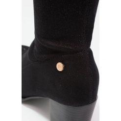 XTI Muszkieterki black. Czarne buty zimowe damskie marki Xti, z materiału. W wyprzedaży za 149,50 zł.