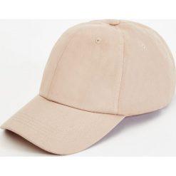 Czapki z daszkiem męskie: Beżowa czapka basic