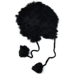 Czapka damska Królewska miękkość czarna. Czarne czapki zimowe damskie marki Art of Polo. Za 61,09 zł.