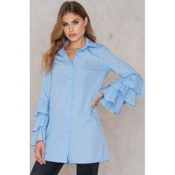 Boohoo Sukienka z marszczeniami na rękawach - Blue. Niebieskie sukienki na komunię marki Boohoo, proste. W wyprzedaży za 36,59 zł.
