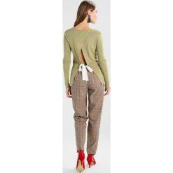 Swetry klasyczne damskie: Aaiko VAJE VIS Sweter khaki green