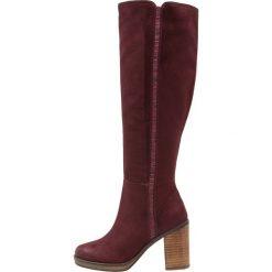 Even&Odd Kozaki na obcasie bordeaux. Czerwone buty zimowe damskie Even&Odd, z materiału, na obcasie. W wyprzedaży za 186,75 zł.
