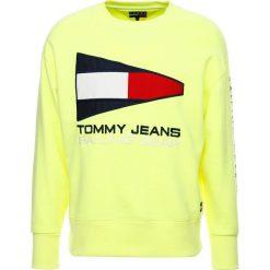 Tommy Jeans 90S Bluza neon yellow. Żółte bluzy męskie marki Tommy Jeans, m, z bawełny. W wyprzedaży za 389,35 zł.