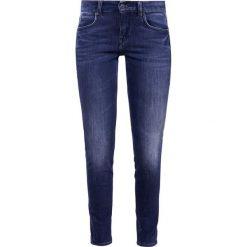 DRYKORN IN Jeans Skinny Fit stone washed blue denim. Niebieskie rurki damskie DRYKORN, z bawełny. Za 629,00 zł.