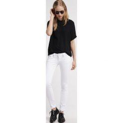 Freeman T. Porter ALEXA Jeansy Slim Fit white. Niebieskie jeansy damskie marki Freeman T. Porter. Za 379,00 zł.