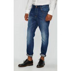 Mustang - Jeansy. Czarne jeansy męskie z dziurami marki Mustang, l, z bawełny, z kapturem. Za 269,90 zł.