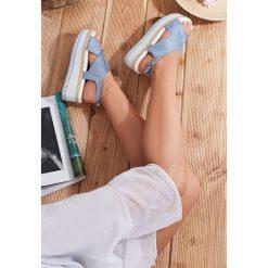 Niebieskie Sandały Seashell. Niebieskie sandały damskie vices, na koturnie. Za 89,99 zł.
