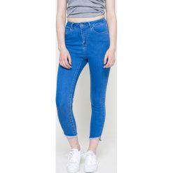 Vero Moda - Jeansy. Niebieskie jeansy damskie rurki marki House, z jeansu. W wyprzedaży za 79,90 zł.