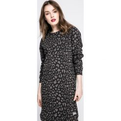Femi Stories - Sukienka Sofi. Czarne długie sukienki marki Femi Stories, na co dzień, s, z bawełny, casualowe, z okrągłym kołnierzem, z długim rękawem, proste. W wyprzedaży za 149,90 zł.