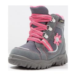 Superfit HUSKY1 Śniegowce stone. Szare buty zimowe damskie marki Superfit, z materiału. W wyprzedaży za 201,75 zł.